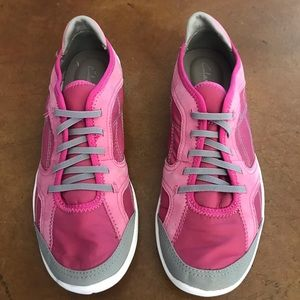 Super lightweight tennis shoes 6.5